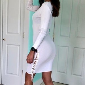 White Lace-up Long-sleeved Dress